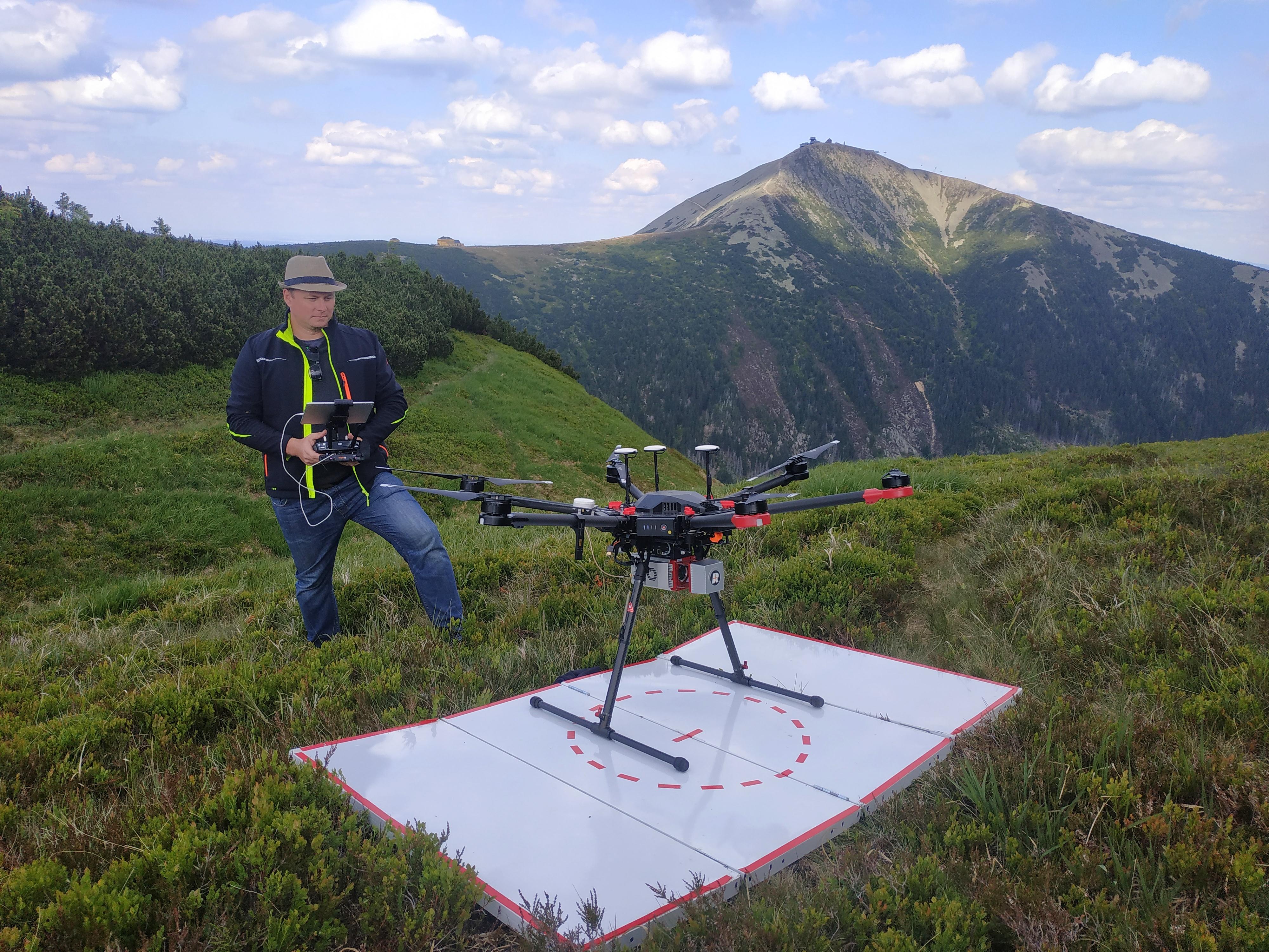 Skenujeme z LiDARu na dronu v KRNAPu pro dlouhodobý projekt s Univerzitou Karlovou