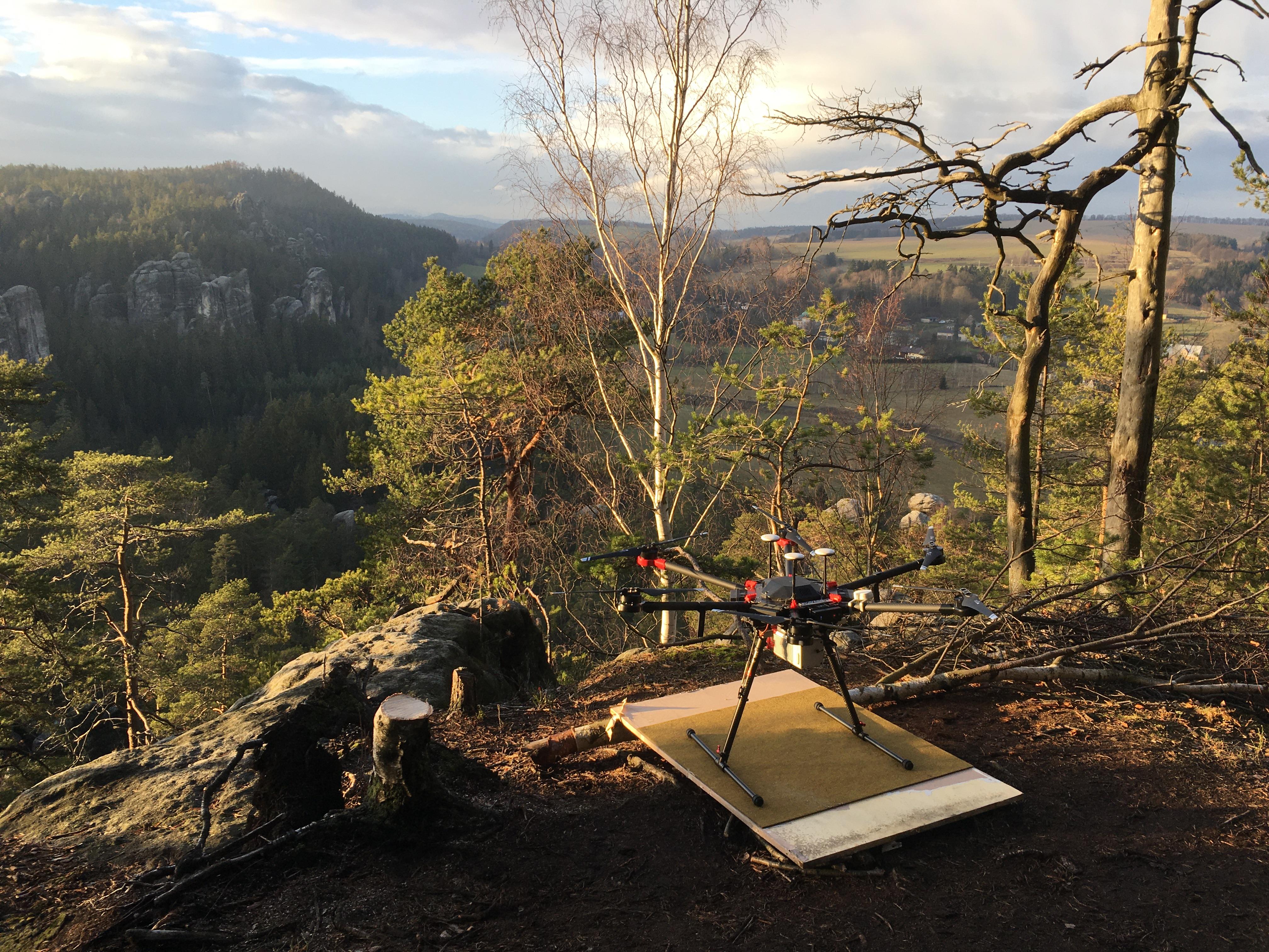 Tentokrát jsme prováděli laserové skenování z dronu v Adršpašsko-teplických skalách