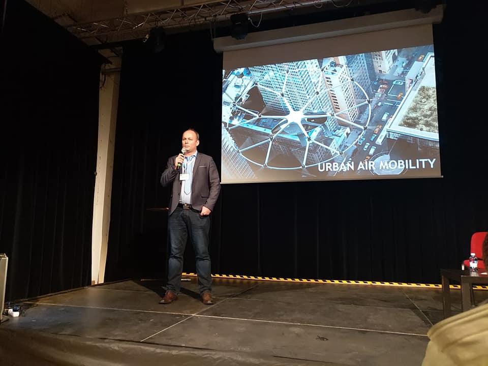 Spolupořádali jsme 5. konferenci Aliance pro bezpilotní letecký průmysl kde měl Jakub 2 přednášky